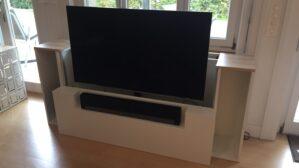 Tv-Möbel mit Lift und Soundbar