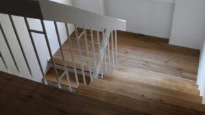 Parkett verlgen auf Treppe