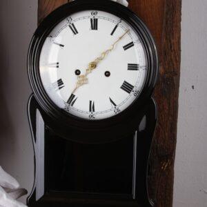 Uhr neu Lackiert in Hochglanz