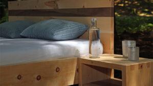 Arvenholz Bett