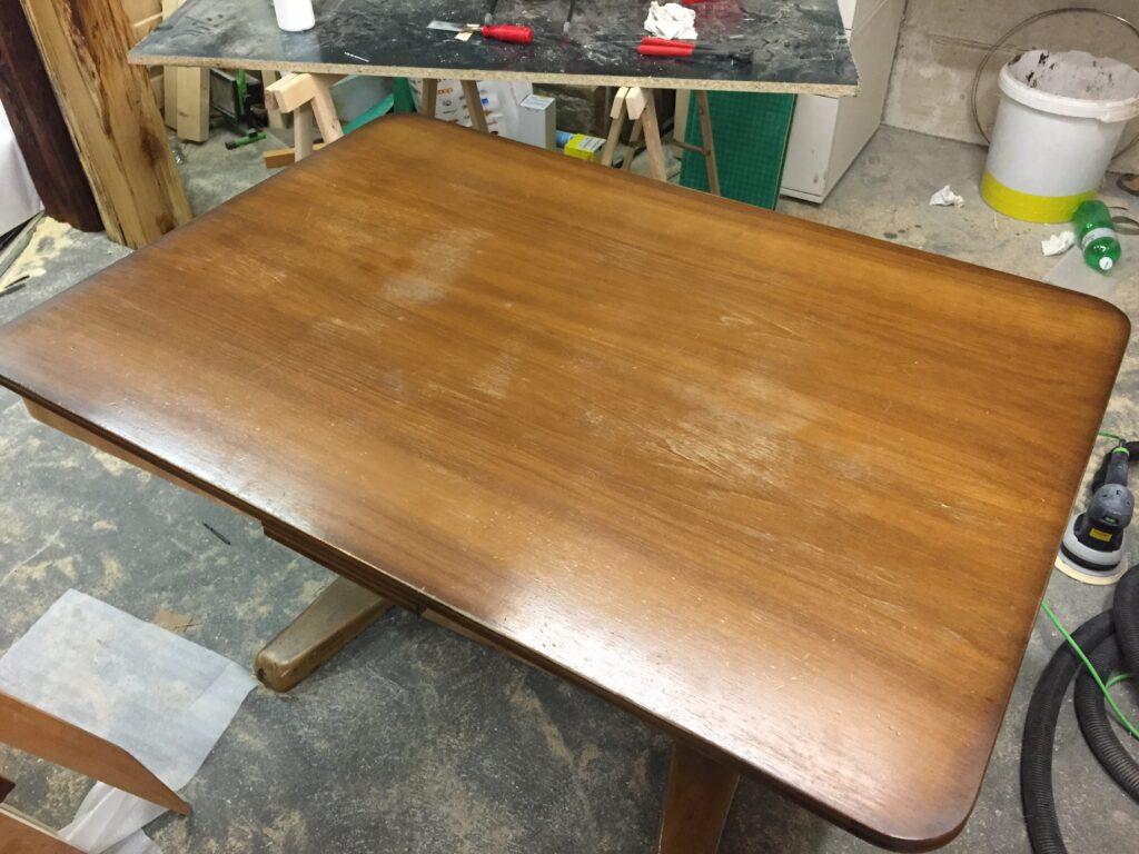 Tisch restauration