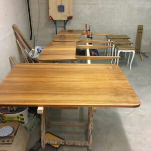 Tisch lackiert
