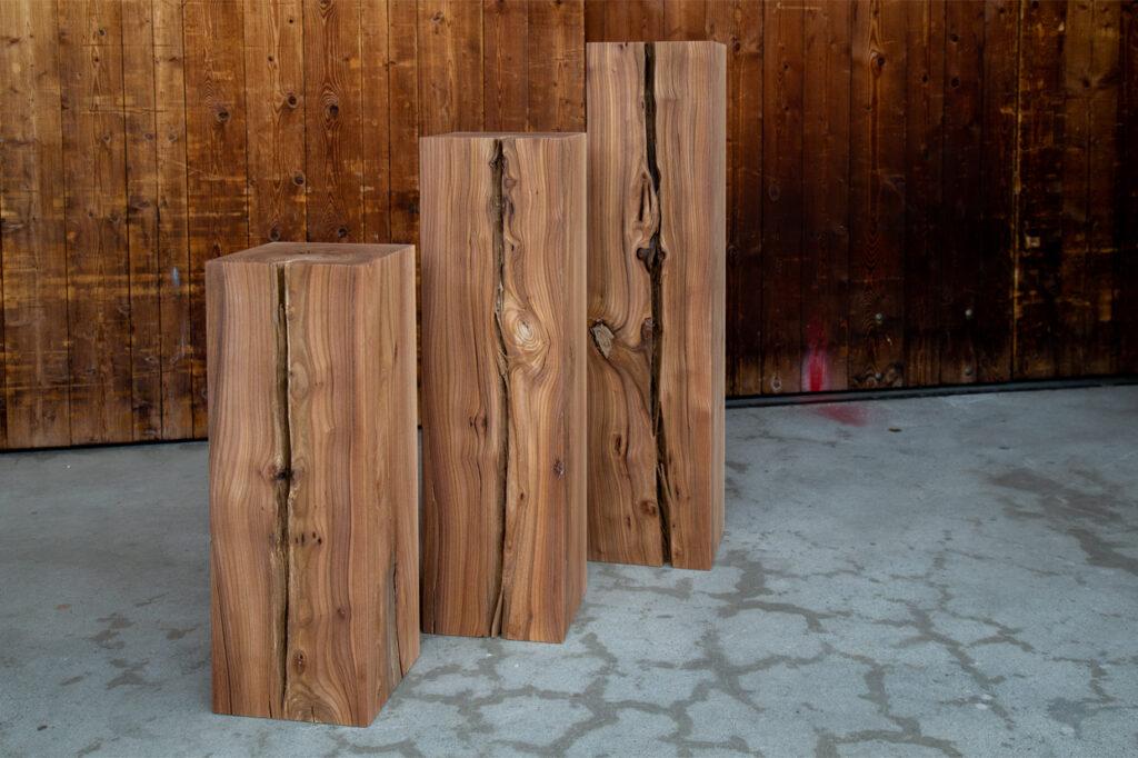 Säulen aus massiver Ulme