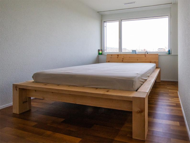 Arven Massivholz Bett